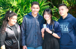 patrocinadora-de-taiwan-visita-a-joven-que-patrocina-desde-hace-7-anos