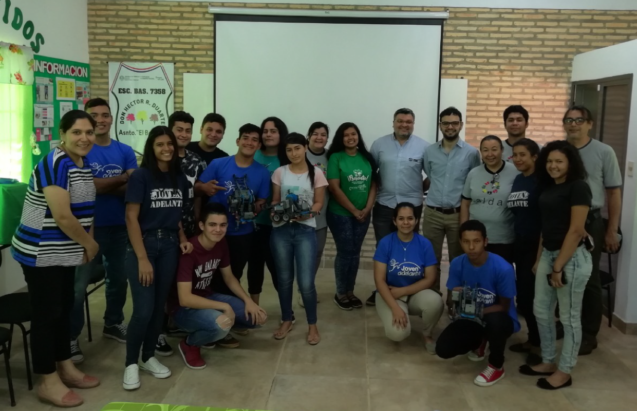Raíces Real Estate visits Joven Adelante project